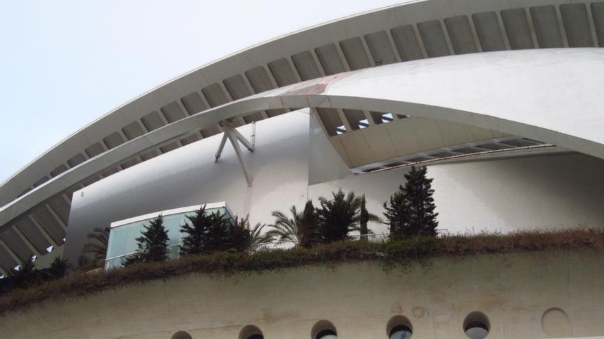 """Generalitat dice que la reparación de Les Arts no le costará """"ni un euro"""" y que la adecuación se acordará con Calatrava"""