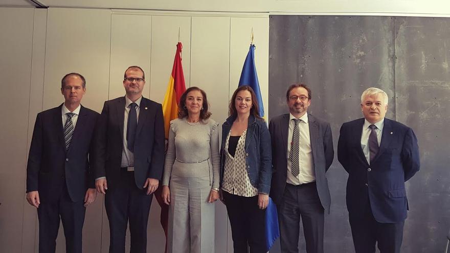 Los miembros de la delegación grancanaria expusieron a Carmen Vela distintas propuestas de actuación para colaborar con departamento estatal en proyectos  de investigación.
