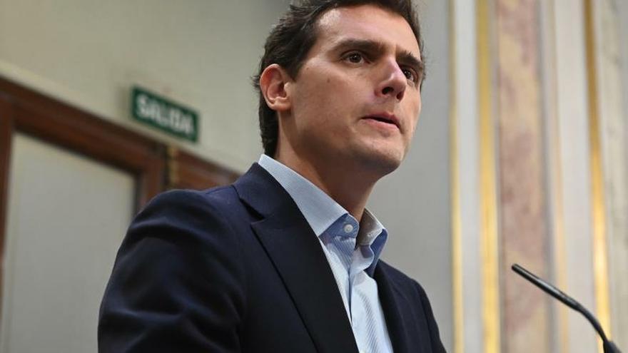 Rivera promete que si suma una mayoría con el PP formará gobierno en un mes