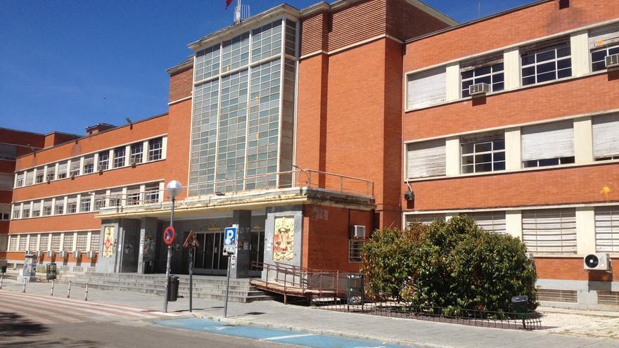 Fachada de la Facultad de Derecho de la Universidad Complutense de Madrid. / Wikipedia