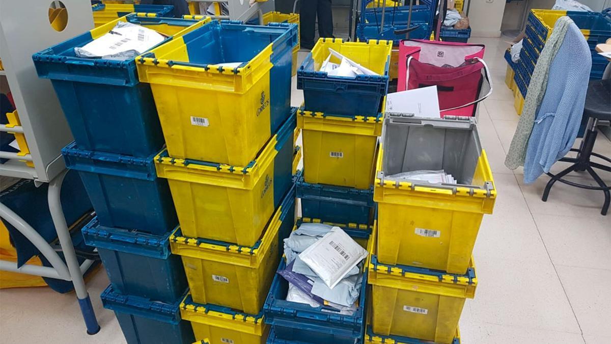 Paquetes en una oficina de Correos.