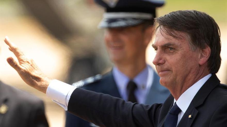Bolsonaro firma un decreto que facilita la posesión de armas de fuego en Brasil