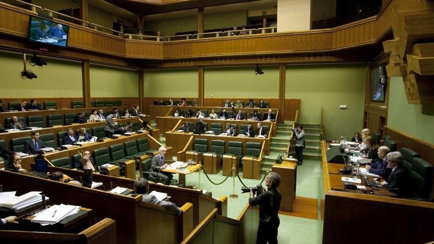 PNV, PSE y PP rechazan en el Parlamento vasco la desaparición de la figura del aforamiento