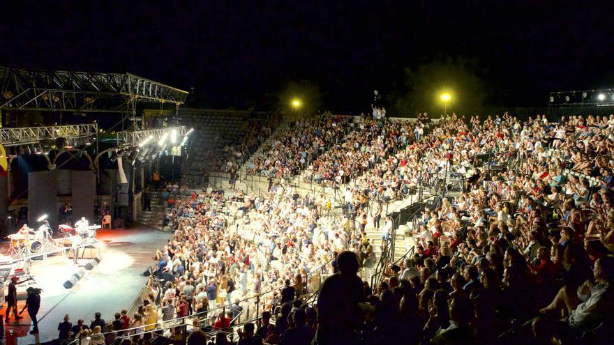 Así se encontraba anoche el auditorio Parque Almansa de San Javier / GOIO VILLANUEVA