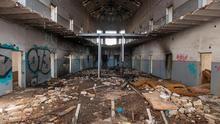 Una de las galerías centrales, completamente abandonada