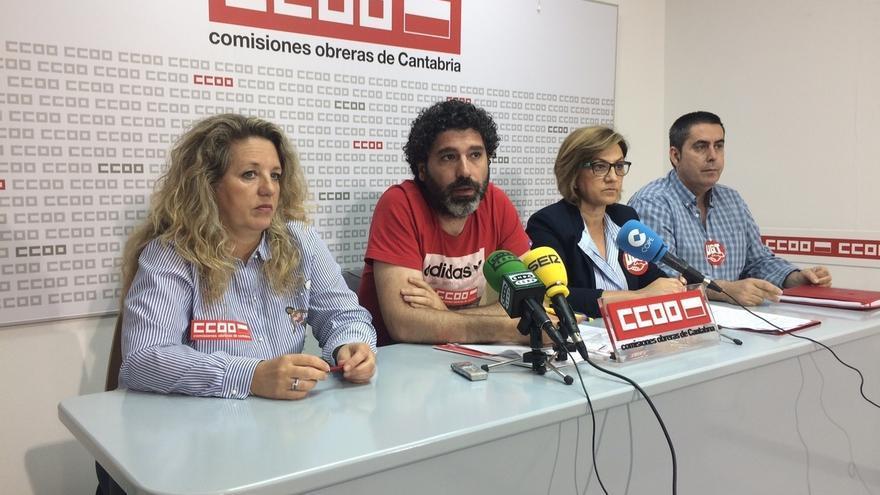 """CC.OO y UGT dicen que """"tijeretazo"""" a financiación de servicio postal hace peligrar unos 200 empleos en Correos Cantabria"""