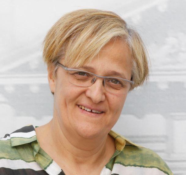Ángeles Álvarez