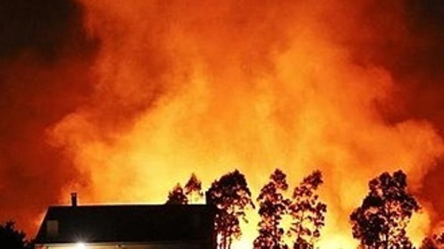 Quejas al Canal 24h por su tardía y escasa cobertura de los incendios de Asturias