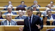El portavoz del PP en el Senado leyó su tesis ante un tribunal de afines y diputados con Montoro al frente