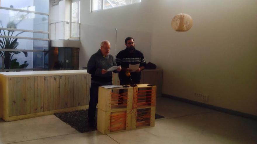 José Vicente Barcia y Stéphane M. Grueso durante la presentación del manifiesto en Ecoooo
