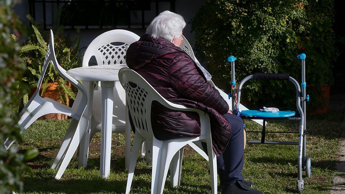 Una anciana en una residencia de Córdoba.