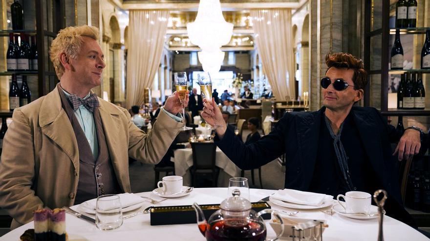 Michael Sheen y David Tennant en 'Good Omens'