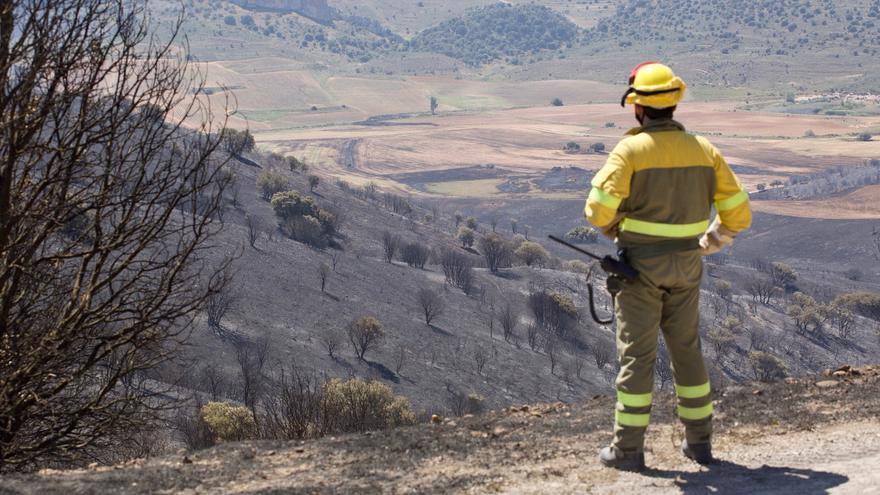 El incendio de Yerga, en La Rioja, no se declara extinguido por prevención