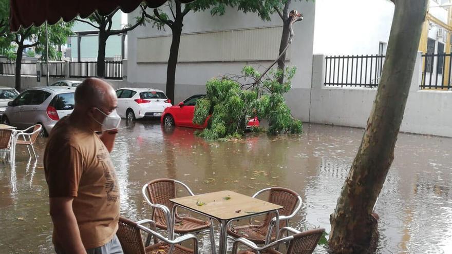 Avenida Cruz de Juarez inundada   MADERO CUBERO