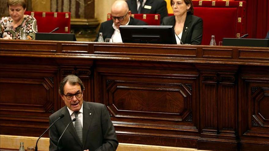 """Mas minimiza la decisión de un TC del que Rajoy """"abusa"""" para hacer política"""