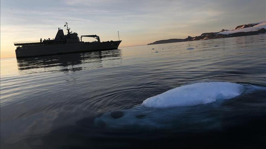 Armada de Chile viaja a la Antártida para apoyar 54 investigaciones