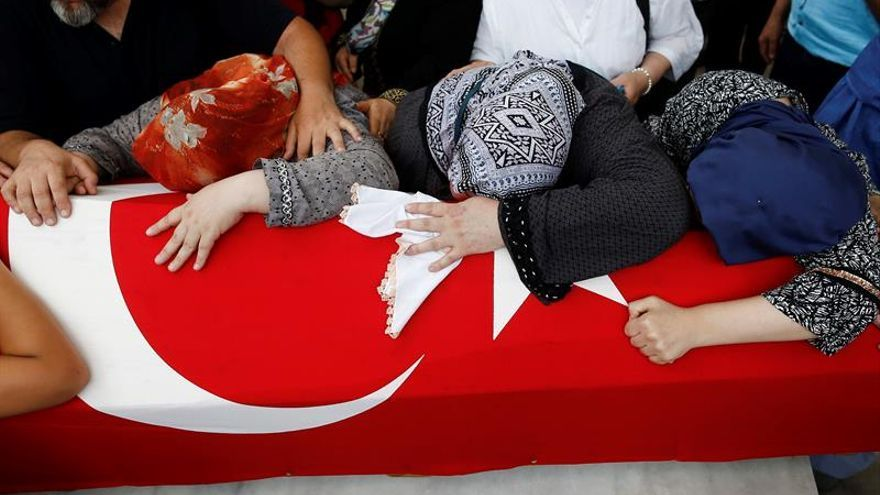 Turquía dice que debatirá sobre la pena de muerte sin tener en cuenta a la UE