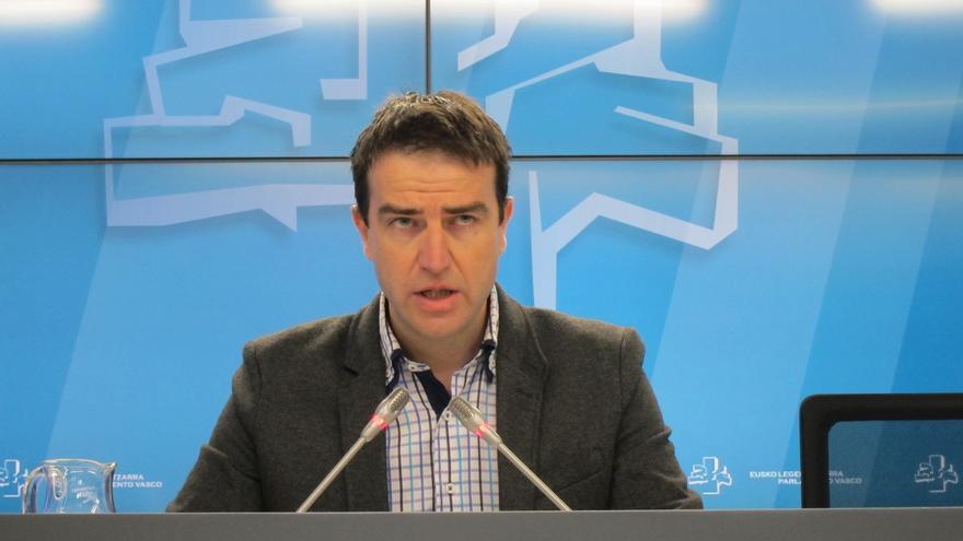 Maneiro exige a Maroto y Alonso que reconozcan el perjuicio causado y pidan perdón a los vitorianos