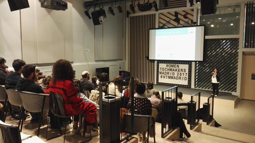 Conferencia durante el envento Women Techmakers organizado en Madrid durante 2017