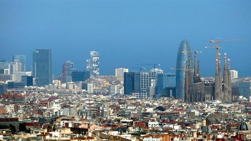 Barcelona ofrecerá transporte público gratis a cambio del coche contaminante