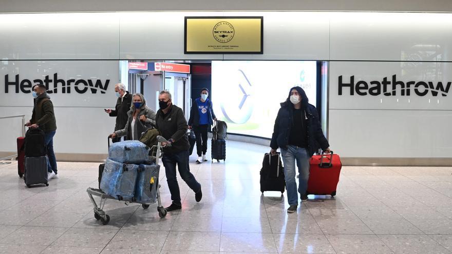 R.Unido saca a Canarias de la lista de destinos a los que desaconseja viajar