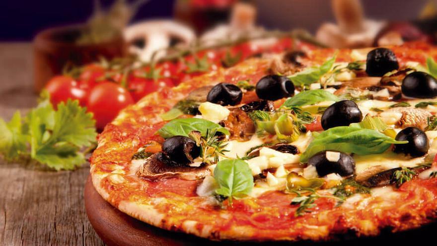 Una imagen de los productos de Yola's Pizza.