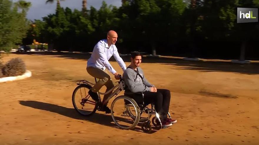 Una bicicleta que se adapta a cualquier silla de ruedas