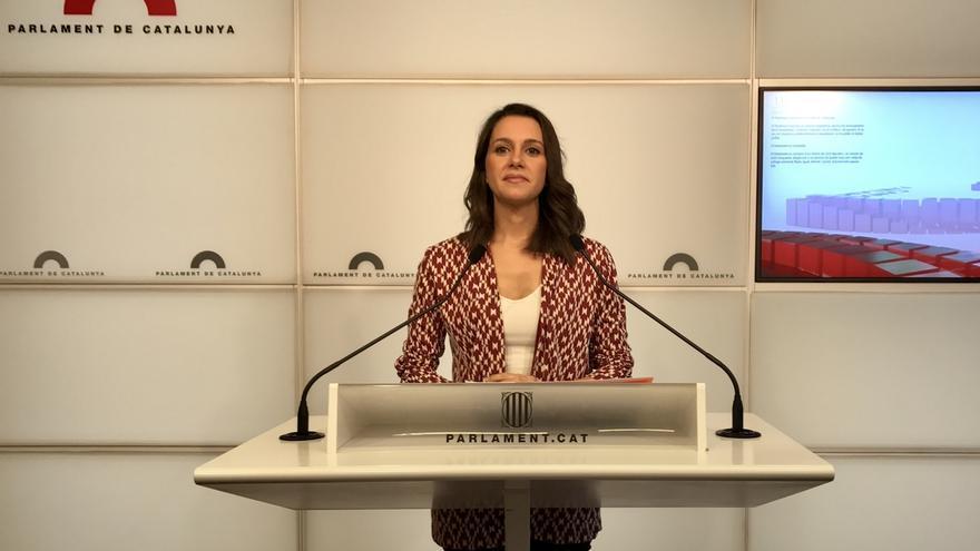 """Arrimadas (Cs) acusa a JxSí y la CUP de usar el Parlament como """"un club privado"""""""