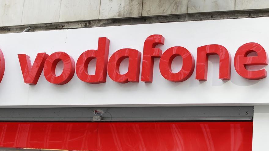 Vodafone comenzará a cobrar 2,5 euros por algunas gestiones telefónicas para fomentar el uso de otros canales