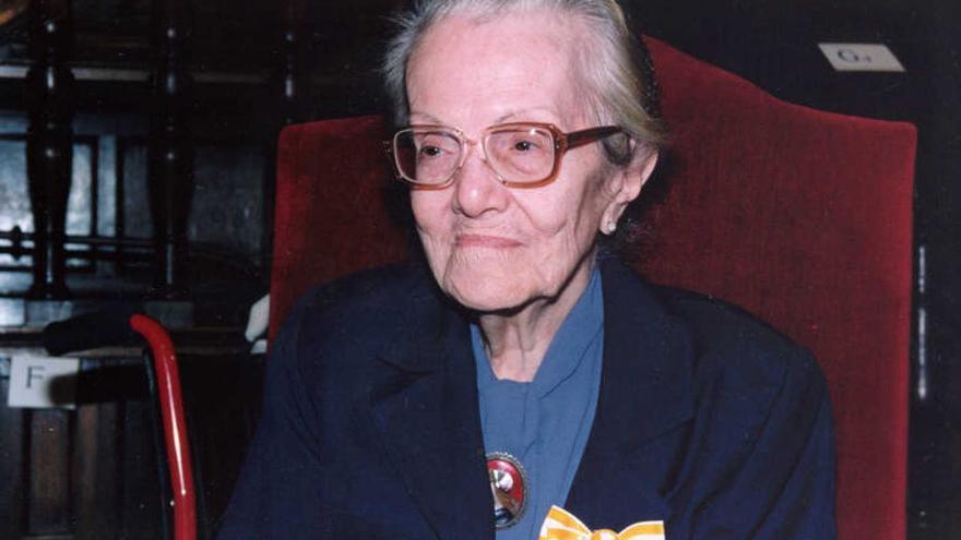 Dulce María Loynaz.