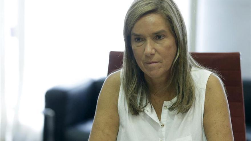 Ana Mato preside la primera reunión con los consejeros de las CCAA por el ébola