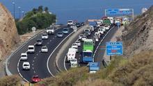 Retención en la autopista sur de Tenerife, en una imagen de archivo