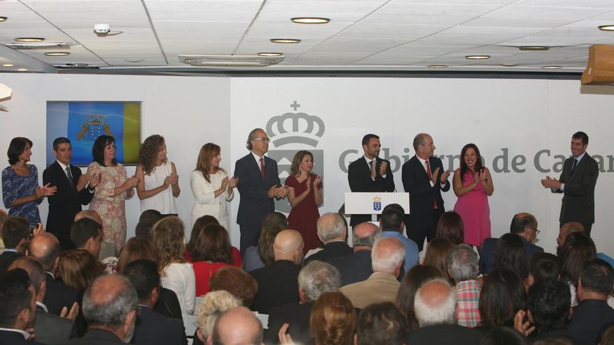 Toma de posesión de los diez consejeros que conformarán el Gobierno de Fernando Clavijo. (ALEJANDRO RAMOS)