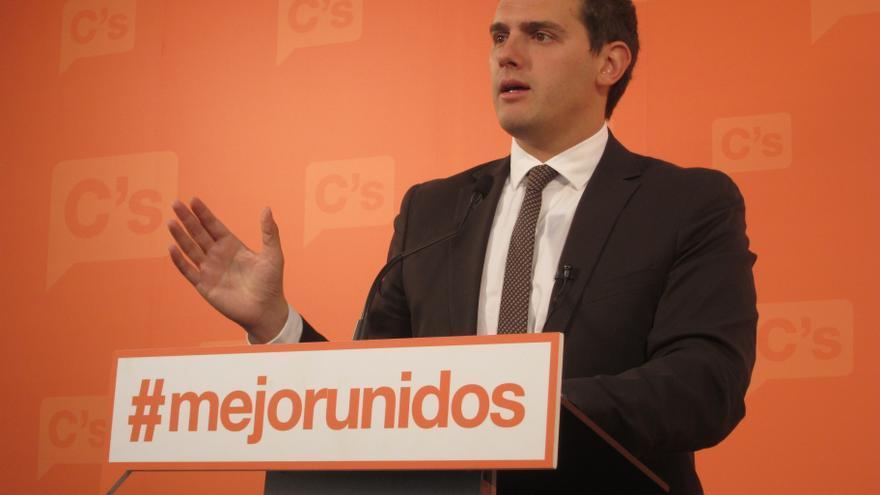 Rivera (C's) sospecha que Artur Mas prefiere que la consulta fracase
