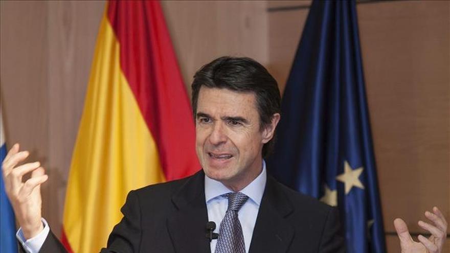 """Soria califica de """"intolerable"""" la petición de Venezuela a empresas españolas"""