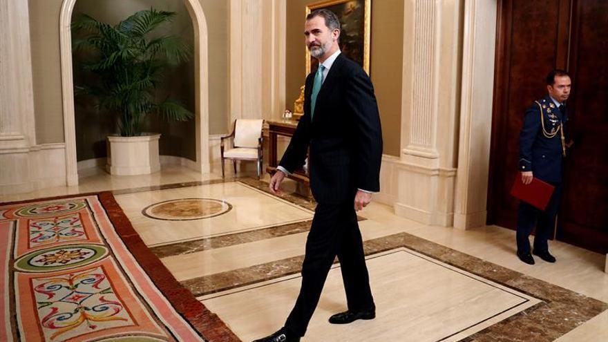 Felipe VI viaja mañana a Suiza para exponer en Davos las perspectivas de España