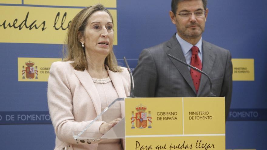 El ministro de Justicia en funciones, Rafael Catalá, y la hasta ahora ministra de Fomento, Ana Pastor, en una imagen de archivo.