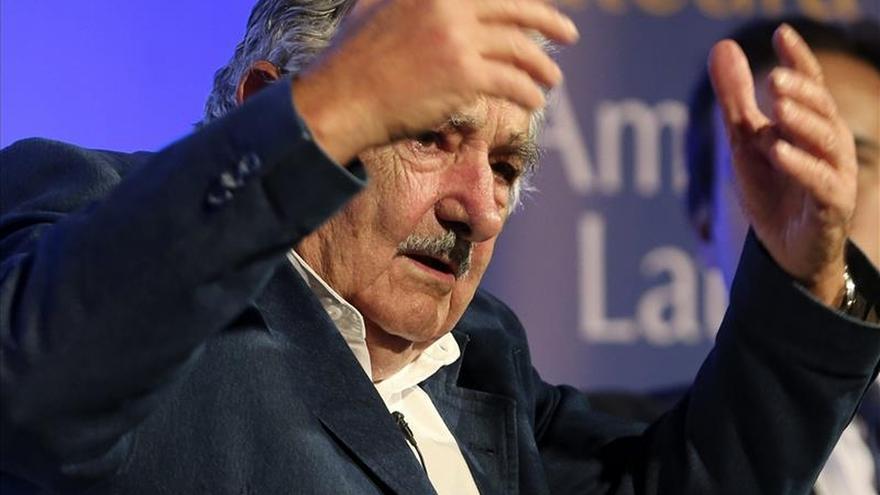 Mujica aplaude decisión de EEUU de retirar a Cuba de la lista sobre terrorismo