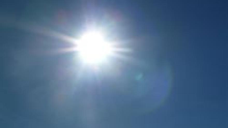 """La UCLM instalará este jueves dos telescopios """"de alta calidad"""" en su campus de Ciudad Real para poder observar el sol"""