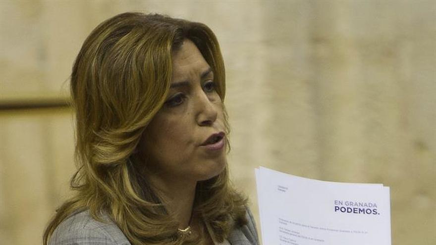 """Díaz acusa a Podemos de """"enredar"""" en los partidos y de """"enfangar"""" la política"""