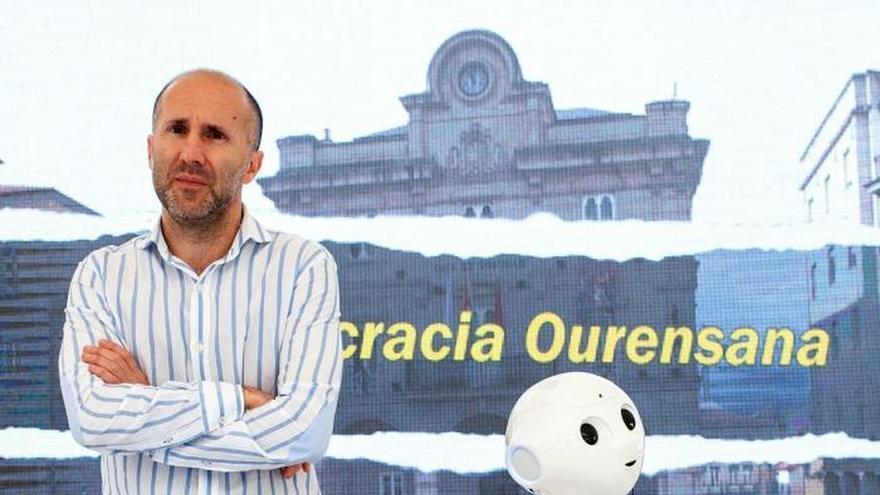 Un robot se cuela en la campaña electoral de Ourense