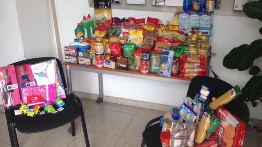 En la imagen, alimentos donados por los trabajadores de Endesa.