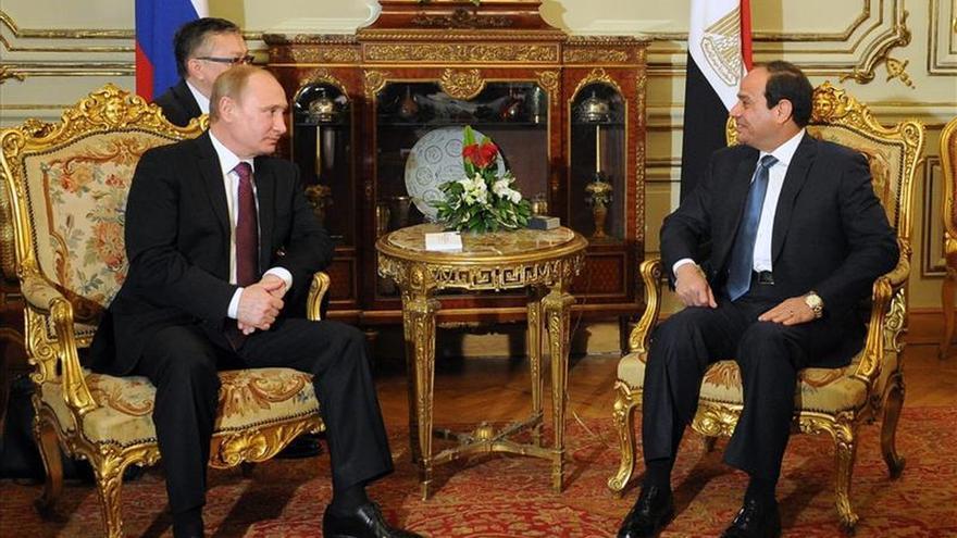 Al Sisi y Putin acuerdan construir la primera central nuclear en Egipto