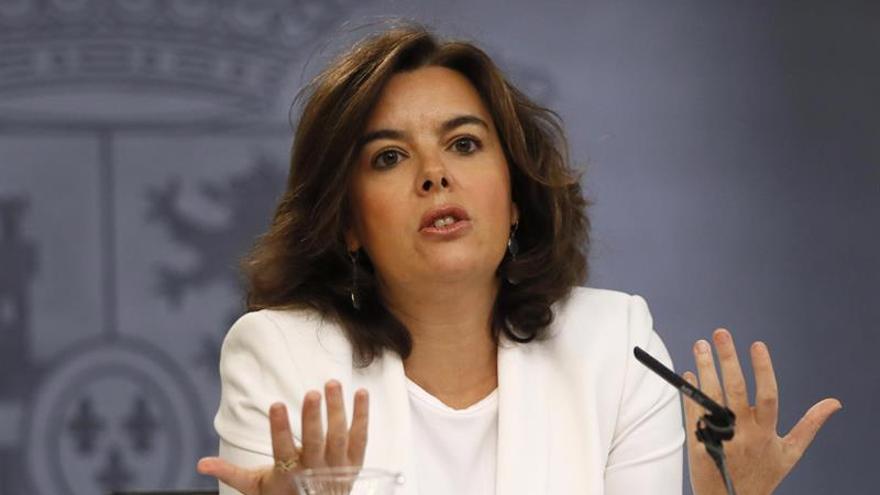 """El Gobierno ofrece al PSOE """"máxima colaboración"""" tras recuperar el diálogo"""