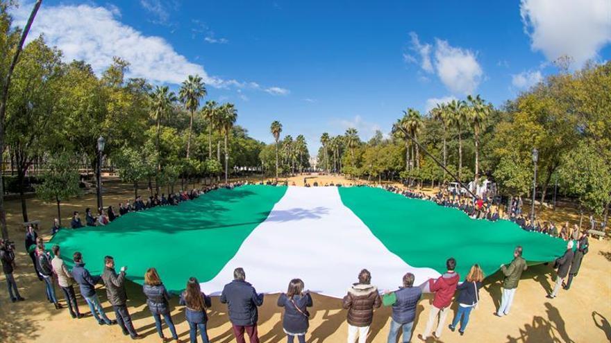 Rajoy, Sánchez y Rivera felicitan a los andaluces en el Día de su Comunidad
