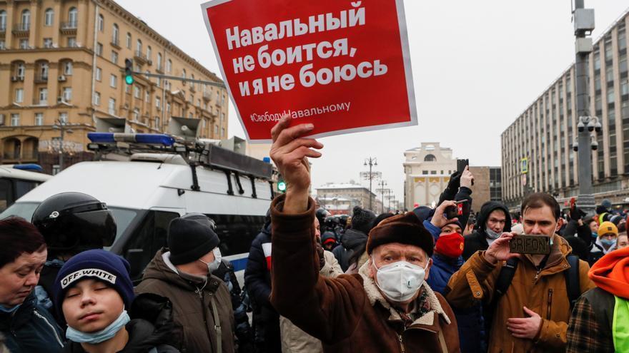 Los seguidores de Navalni encaran a Putin pese a la represión y detenciones