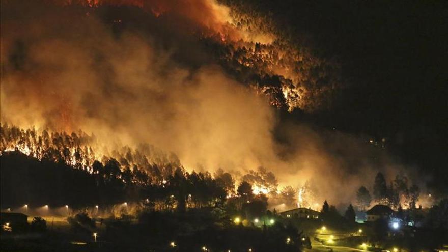 Cantabria está en alerta máxima con cerca de 80 incendios declarados