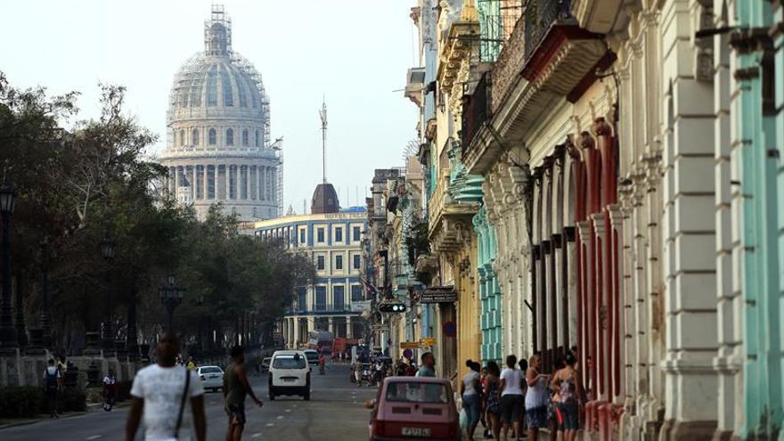 Cuba reabre aeropuerto del polo turístico de Jardines del Rey tras Irma