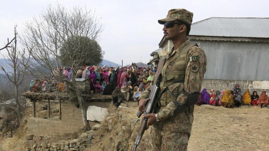 Mueren 25 insurgentes en bombardeos del Ejército en Pakistán