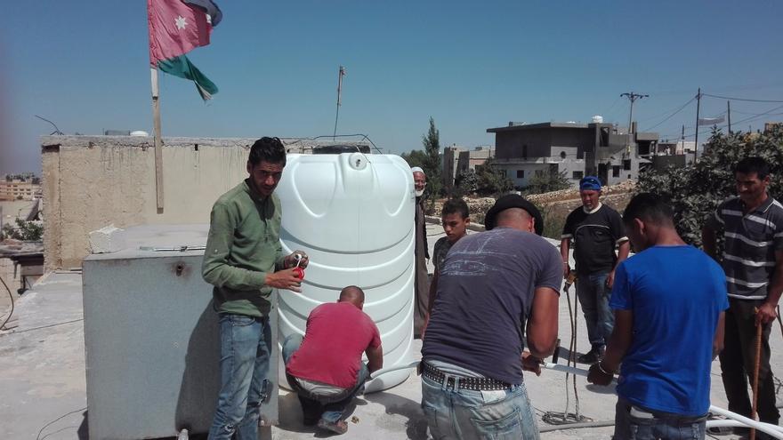 La instalación de los 40 tanques de agua facilitará la vida a más de 700 personas | ACPP